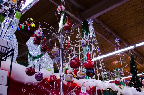 Special ornaments with LEDs that light up - Smith and Edwards