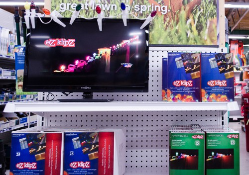 Light up your fence with clip-on Christmas lights - Smith and Edwards