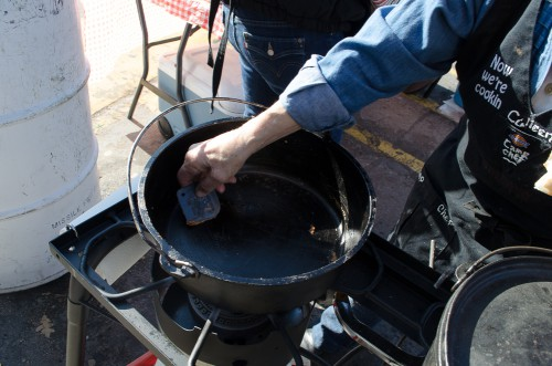 Scraping a Dutch oven