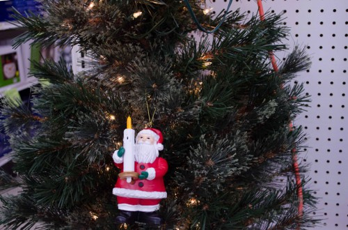 Santa Ornament blows out! - Smith and Edwards