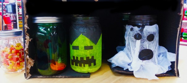 Use tissue paper to make fun faces on mason jars!