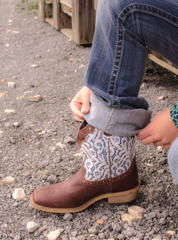 Justin ladies' lace booties