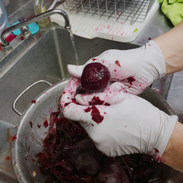 Rinsing and peeling the beets