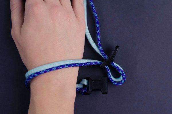 Measure the bracelet